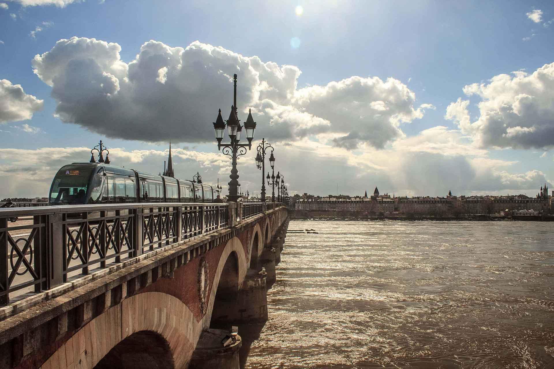 Voyages à Bordeaux Yves Beck - Bordeaux Reise